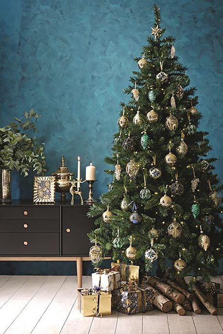Decorate Your Tree Like A Professional This Year Dean Co